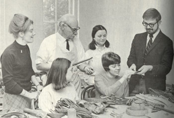 George Metcalf works with Luther students and faculty on his second visit to Luther in 1971. Left to right, instructor Kathy Daly, Marilyn Piaple, Metcalf, Trish Price, Barb Fonkert, instructor R. Clark Mallam.