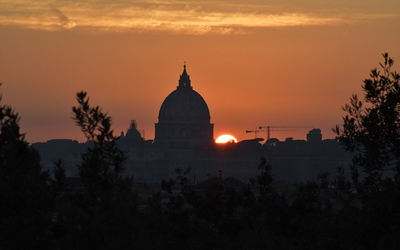 Sunset over St. Peter's Basilica. Photo by Isaac Heins '18