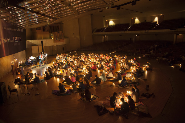 "Candlelight Service<a href=""/reason/images/842656_orig.jpg"" title=""High res"">&prop;</a>"