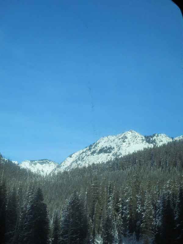 "Mountains along I-90 in Washington<a href=""/reason/images/518663_orig.jpg"" title=""High res"">&prop;</a>"