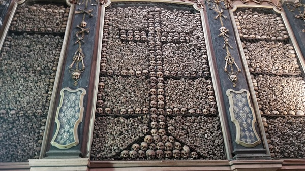 "The church where the used the bones of the dead to decorate the walls.<a href=""/reason/images/811681_orig.jpg"" title=""High res"">∝</a>"