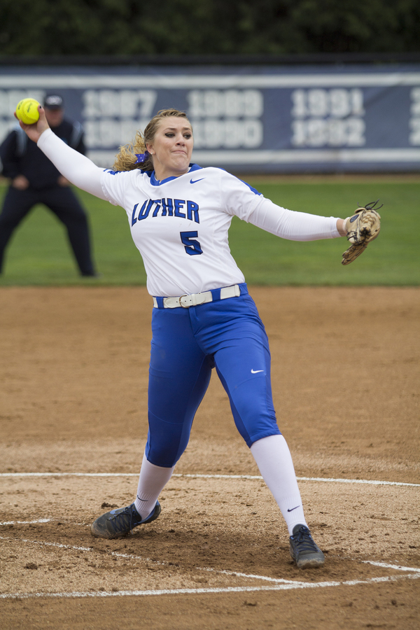 "Samantha Bratland Two-Time NFCA All-American<a href=""/reason/images/852685_orig.jpg"" title=""High res"">∝</a>"