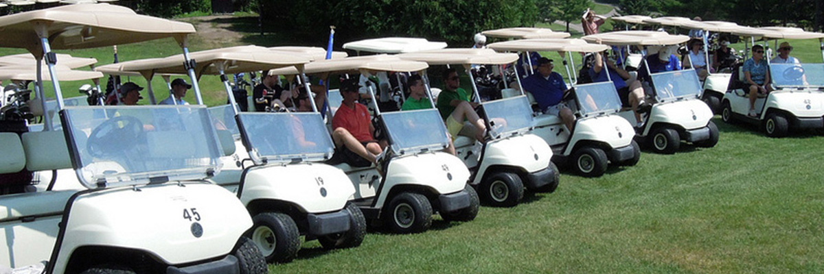 Friends of Norse enjoy their NAA golf outing.