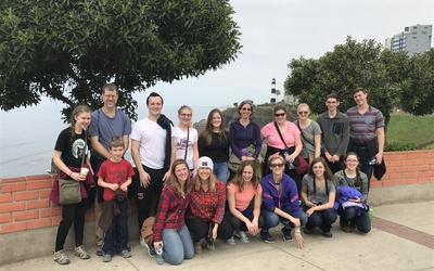 A picture of the group outside of the Parque de Amor