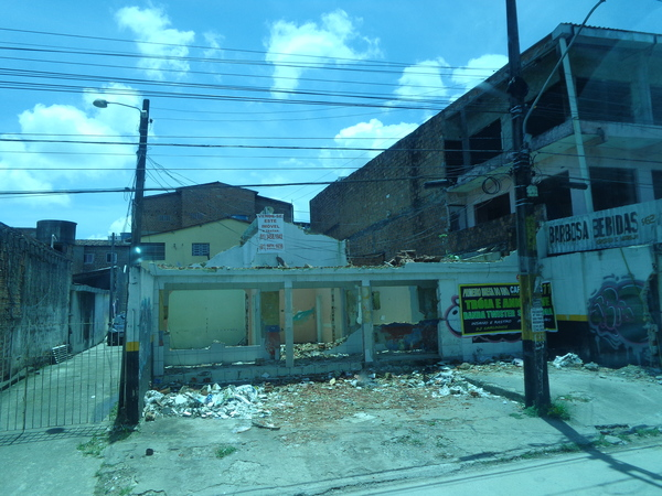 "Poor neighborhood outside of Recife<a href=""/reason/images/522746_orig.jpg"" title=""High res"">∝</a>"