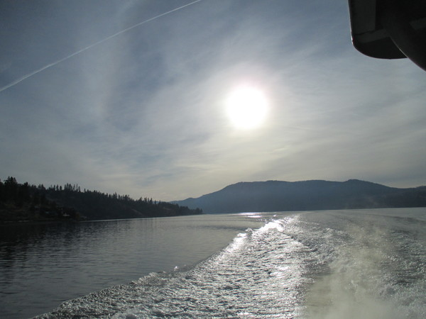 "A view from the boat ride on Lake Chelan.<a href=""/reason/images/528766_orig.jpg"" title=""High res"">&prop;</a>"