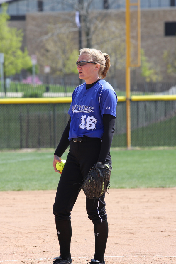 "Junior pitcher Becca Girvan named the Most Outstanding Performer and all-tournament.<a href=""/reason/images/464776_orig.jpg"" title=""High res"">∝</a>"