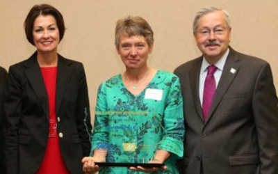 From left:Lieutenant Governor Kim Reynolds, Mansfield and Iowa Governor Terry Branstad