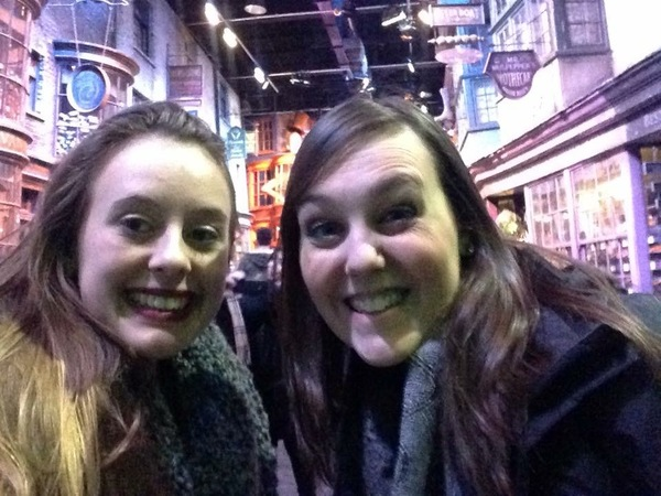 "Anna and Amanda in Diagon Alley.<a href=""/reason/images/671789_orig.jpg"" title=""High res"">∝</a>"