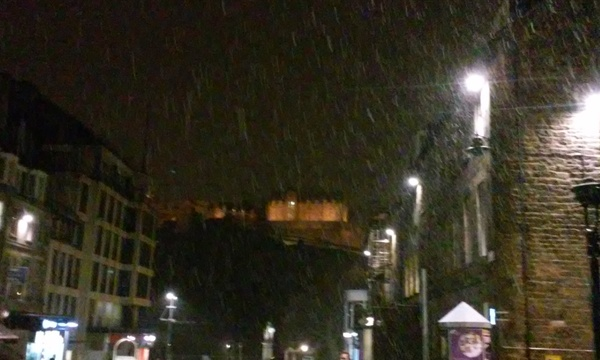 "A picture of Edinburgh Castle in the snow.<a href=""/reason/images/670794_orig.jpg"" title=""High res"">∝</a>"