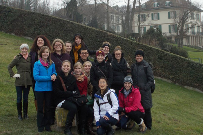Luther students pose at Mary Shelley's home on a J-term Trip: In Frankenstein's Footsteps