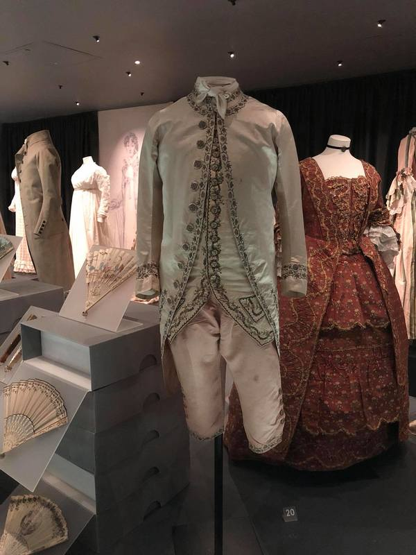 "Some stylish outfits from the Fashion Museum in Bath. The collection the museum has was started by Doris Langley Moore.<a href=""/reason/images/824831_orig.jpg"" title=""High res"">∝</a>"