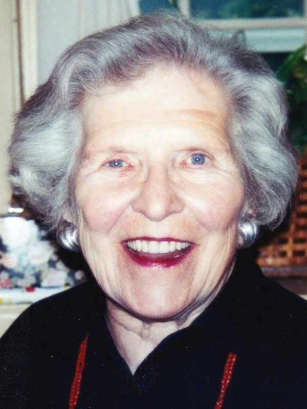"Elaine DeBuhr<a href=""/reason/images/753848_orig.jpg"" title=""High res"">∝</a>"