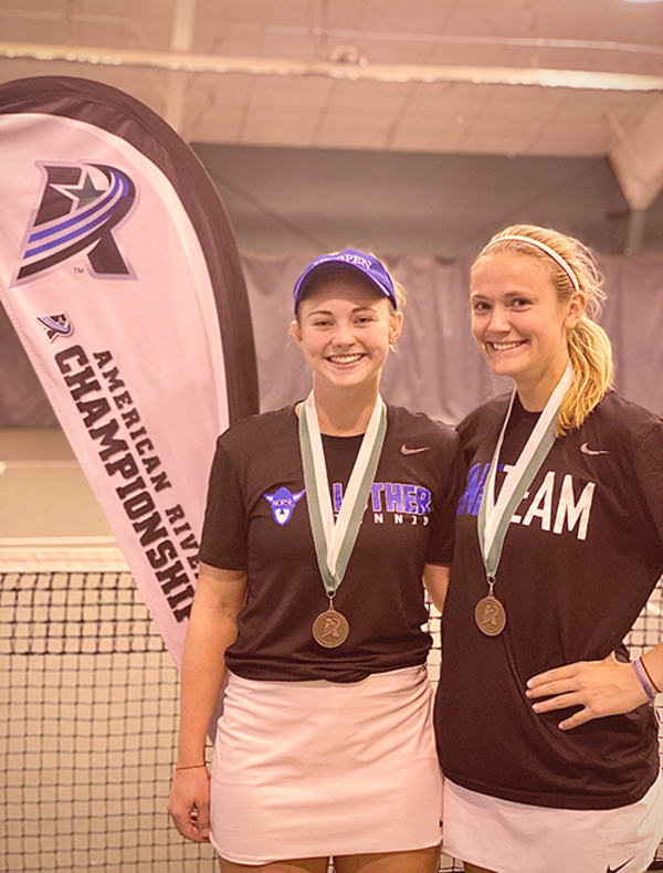 A Doubles Champions - Shelby Cook/Devon Bourget