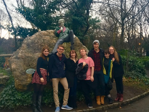 "Several of us visited a statue honoring playwright Oscar Wilde.<a href=""/reason/images/672875_orig.jpg"" title=""High res"">∝</a>"