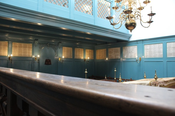 "The Winter Synagogue at the Portuguese Synagogue.<a href=""/reason/images/602897_orig.jpg"" title=""High res"">∝</a>"
