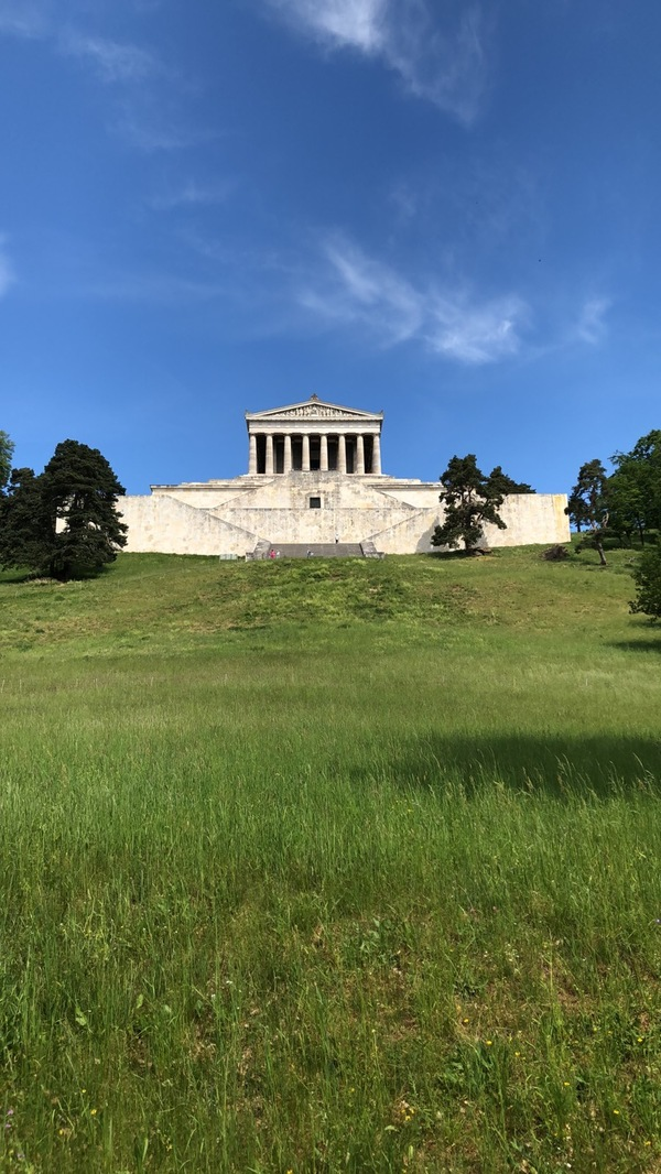 "A view of Walhalla before climbing lots of steps to get to its entrance.<a href=""/reason/images/814921_orig.jpg"" title=""High res"">&prop;</a>"