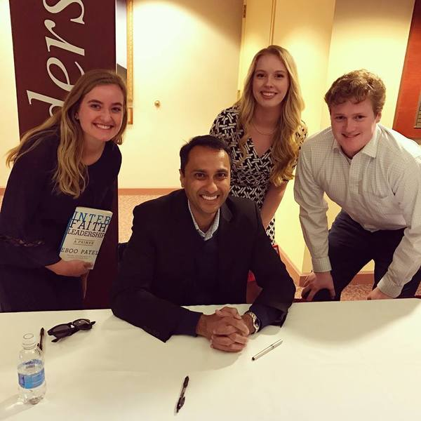 "Eboo Patel with Luther students at the Iowa Interfaith Exchange at Drake University.<a href=""/reason/images/757931_orig.jpg"" title=""High res"">∝</a>"