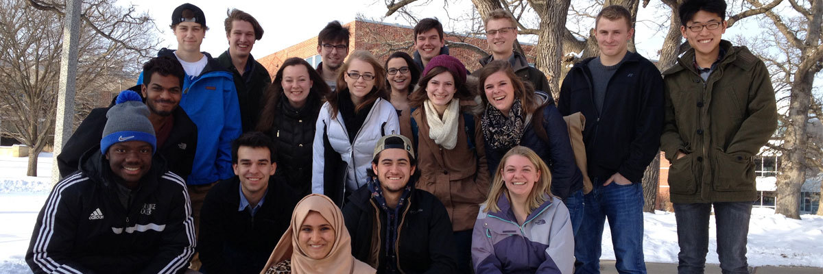 Students in a J-term first-year seminar in 2016.