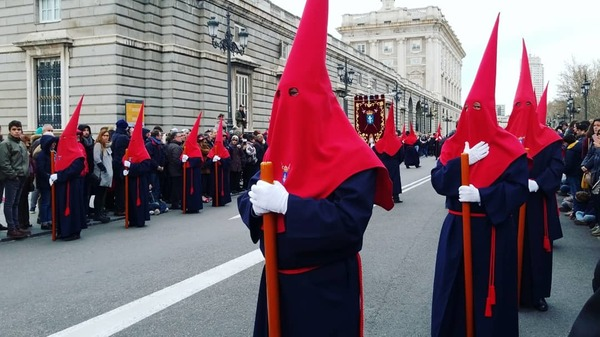 "One of the processions during Semana Santa (Holy week) in Madrid.<a href=""/reason/images/810943_orig.jpg"" title=""High res"">∝</a>"