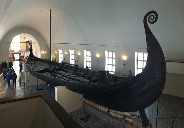 "The Oseberg ship from the Viking Museum.<a href=""/reason/images/799953_orig.jpg"" title=""High res"">∝</a>"
